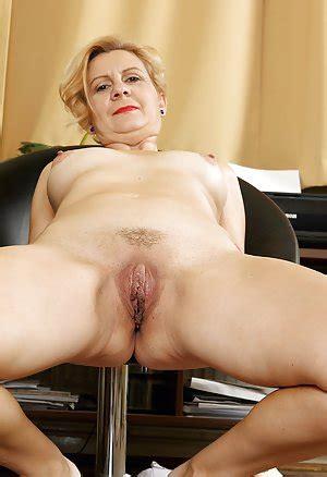 Granny pussy porn videos free sex xhamster jpg 300x438