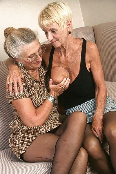 xxx old lesbians jpg 400x600